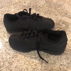 EUC - Nike- 4Y - Black suede- like tennis shoes
